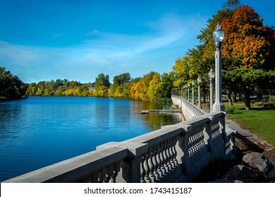 Walk along the Yamaska river in Saint-Hyacinthe in fall