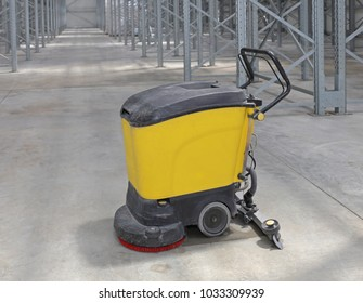 Walk Behind Machine Scrubber For Cleaning Floor in Warehouse