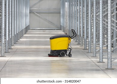 Walk Behind Scrubber Machine For Cleaning Warehouse Floor