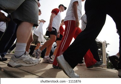 Walkers begin a 5k walk