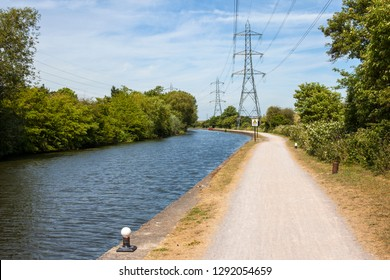 Walking along the River Lee Navigation towpath between Chingford and Enfield.