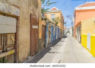 Walking around Otrobanda a suburb of Willemstad - Views around the Caribbean Island of Curacao