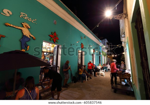 Walking in the streets of the old town of San-Juan Puerto Rico, and enjoying the nightlife. 19 March 2017
