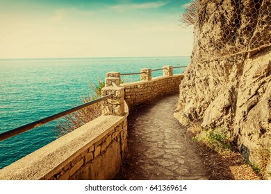 Walkway along the sea in Cinque Terre national park, Italy.
