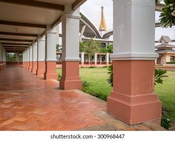 walkway in garden at Bhumibol Bridge