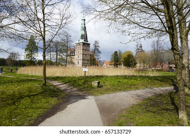 Walkways around the moated castle Raesfeld (Germany, Northrhine Westphalia, County Borken)