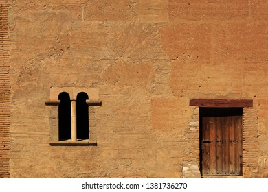 wall iluminated with sunlight. Arquitecture image