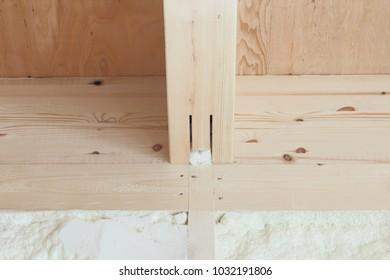 Wall of insulation insulation