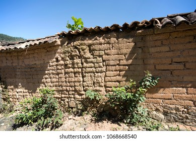 Wall, old wall in Mexico