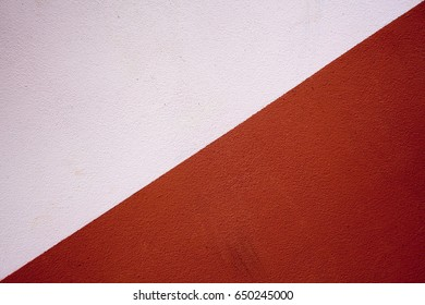 Wall painted in 2 colors