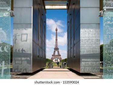 Wall of Peace, Paris