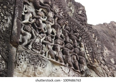 wall relief in Angkor Wat