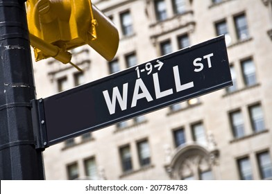Wall street direction sign, New York City, USA