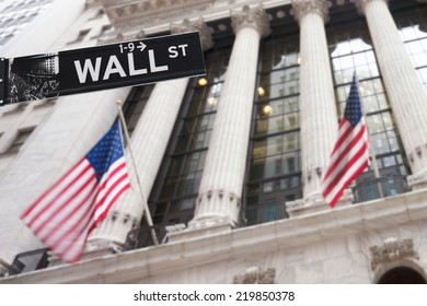 Wall street sign in New York, 20 January 2014 - New York Stock Exchange background