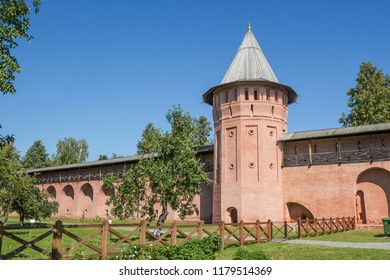 Wall and tower old Spaso-Euthymius monastery in Suzdal. Russia