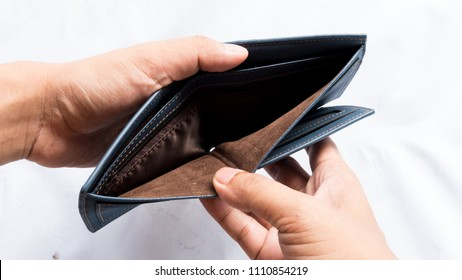 Wallet empty and no money hold in his hand