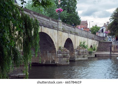 Wallingford bridge over the River Thames in Wallingford, South Oxfordshire.