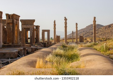 Walls of the ancient capital of Persia. Persepolis is the capital of the Achaemenid kingdom. sight of Iran. Ancient Persia. Bas-relief on the walls of old buildings.