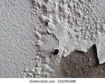 Walls where the wall color is decaying. Wall decay, Background decay