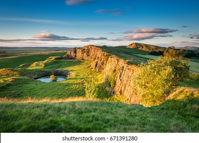 Walltown Crags below Hadrian's Wall / Hadrian's Wall is a World Heritage Site in the beautiful Northumberland National Park. Popular with walkers along the Hadrian's Wall Path and Pennine Way