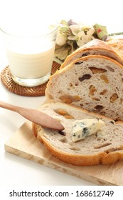walnut bread and blue cheese