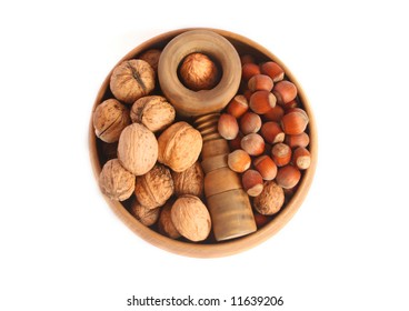 Walnuts and hazelnuts in a bowl
