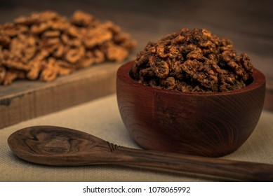 Walnuts Praline with Mascabo Sugar