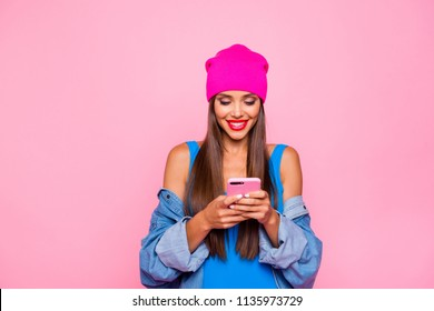influencer, woman, fashion, cell phone