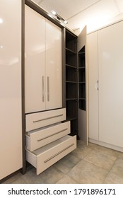 Wardrobe unit with drawers example