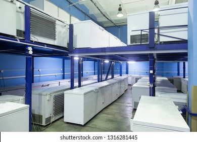Refrigerated Warehouse Images, Stock Photos & Vectors