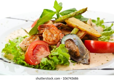 Warm Seafood Salad with Potatoes, Salad Mix, Asparagus and Spicy Cream Sauce