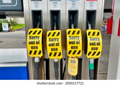 Warminster,Wiltshire,UK - 28 September 2021: An ESSO petrol station pump with no fuel and a sign that limits motorists to a maximum fill of £30 due to a shortage of fuel tanker drivers
