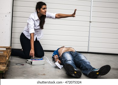 Warning people during work accident