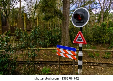 warning traffic light at a railroad, Dutch warning signs