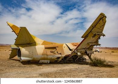 Warplane crush in deset