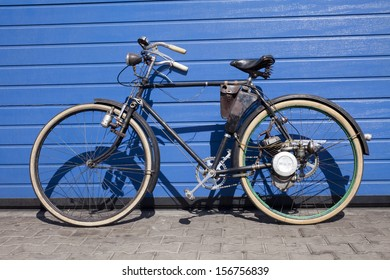 Ancienne Bicyclette bicyclette ancienne images, stock photos & vectors | shutterstock