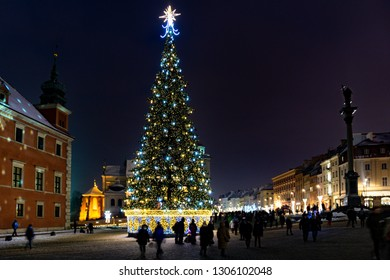 Warsaw Castle Square with Christmas tree after nightfall