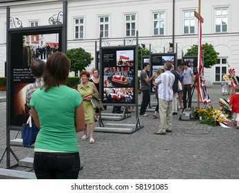WARSAW - JULY 31: People standing in front of presidential palace on July 31, 2010 in Warsaw, Poland. Some people are still mourning after the president Lech Kaczynski plane crash in April 2010