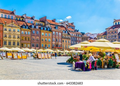 WARSAW, POLAND, AUGUST 12, 2016: View of the old town square in warsaw during summer morning, Poland.