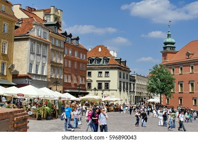 WARSAW, POLAND - CIRCA MAY 2011: Crowd in Castle Square