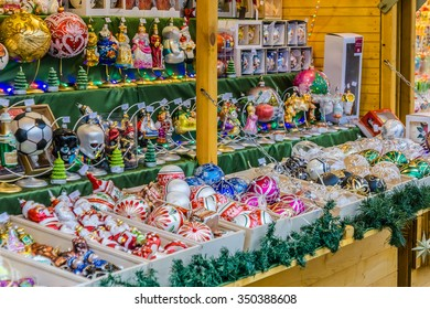 WARSAW, POLAND - NOVEMBER 28, 2015: Christmas markets in Warsaw near castle square. Old town.