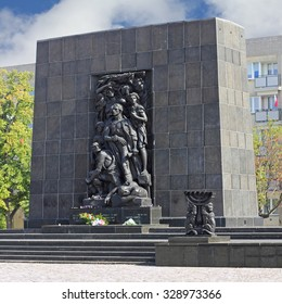 WARSAW, POLAND - SEPTEMBER 10, 2015: The Monument to the Ghetto Heroes commemorates the fight against the Nazis during the uprising in 1943. It was created by Nathan Jakow Rappaport in 1948.