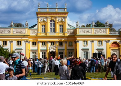 WARSAW, POLAND - SEPTEMBER 13, 2009: Tourist crowds at the Wilanow Royal Palace museum, celebrating the Wilanow Days