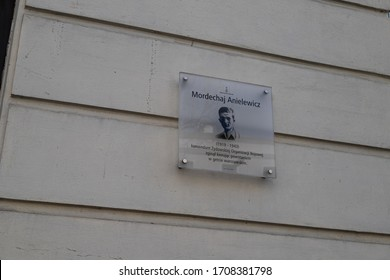 WARSAW/POLAND - APRIL 19, 2020: View on plaque commemorating Mordechaj Anielewicz, commander of the Jewish ghetto uprising in 1943 on the street named after him