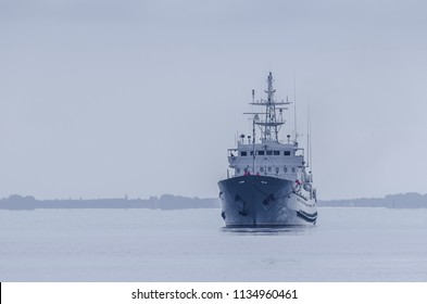 WARSHIP - The Polish hydrographic ship maneuvers at sea