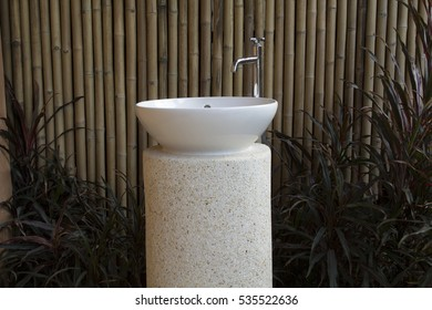 Wash Basin with natural design, Beautiful and intelligent design.