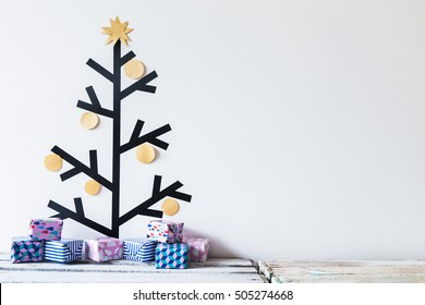 Washi tape christmas tree decoration with tiny colorful gifts. Christmas gifts. DIY.