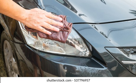 Washing a car by yourself, Microfiber cloth for cleaning a car