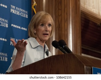WASHINGTON, DC - JULY 24:  PBS journalist and newscaster Judy Woodruff speaks to a luncheon at the National Press Club, July 24, 2012 in Washington, DC