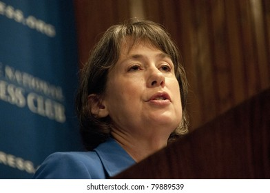 WASHINGTON, DC - JUNE 24:  Chairman Sheila Bair of the Federal Deposit Insurance Corporation delivers a luncheon address to the National Press Club, June 24, 2011 in Washington, DC